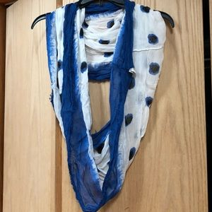 American Eagle infinity scarf